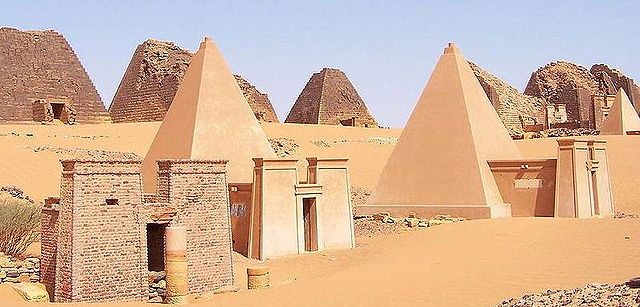 640px-nubianmeroepyramids30sep20052